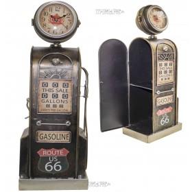 Оригинальная модель ретро бензоколонки с часами ,высота 53 см металл